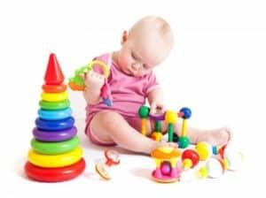 Развивающие занятия и игры для малыша шести месяцев