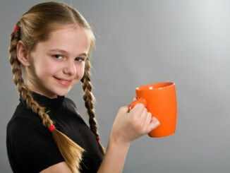 Со скольки лет можно давать детям пить кофе