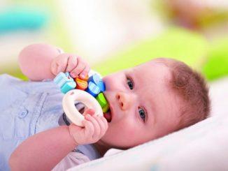 Что делать когда режутся зубки у малыша