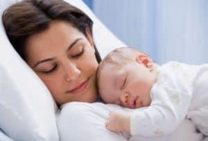 Что делать когда ребенок плачет во сне