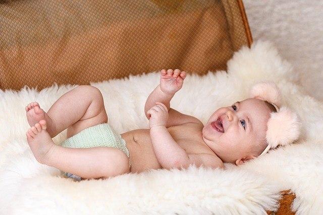 Ребенок начинает улыбаться 3-ий месяц