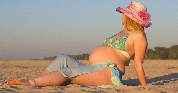 Можно или нельзя загорать беременным женщинам