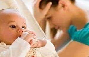 Как быстро отучить ребенка от рук
