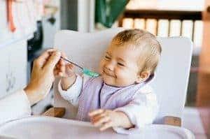Вводим первый прикорм малышу