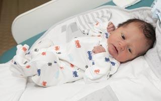 Вес ребенка при выписке из роддома