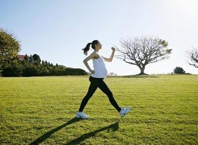 Беременные должны двигаться и ходить пешком чаще