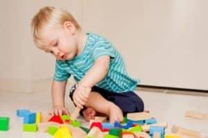 Развитие ребенка в 1 год 3 месяца