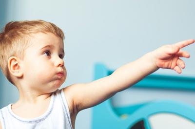 Малыш в 2 года не разговаривает, но понимает