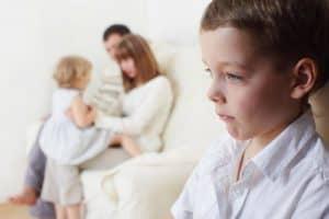 Как устранить ревность между детьми