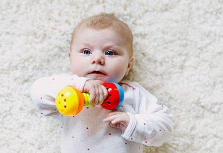 Игрушки для ребенка в 2 месяца