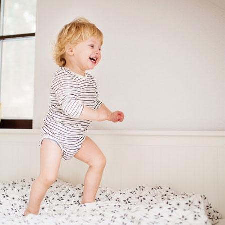 Ходьба ребенка в 1 год и 5 месяцев