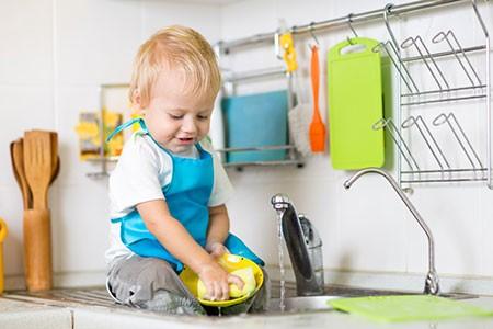 Что должен уметь малыш в возрасте 1 год 9 месяцев